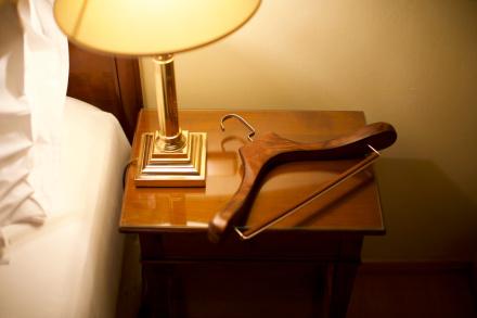 Galerie Bukové ramínko Mekko v hotelu