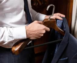 Pánské ramínko na oblek