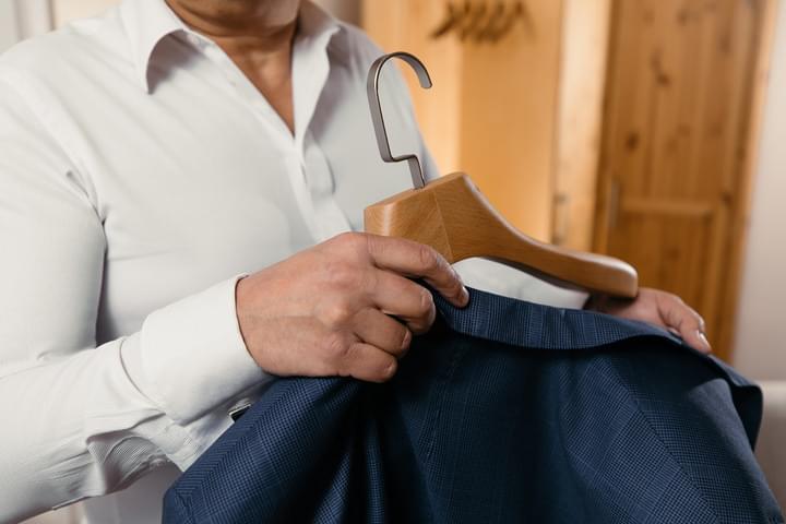 Luxusní oblekové ramínko