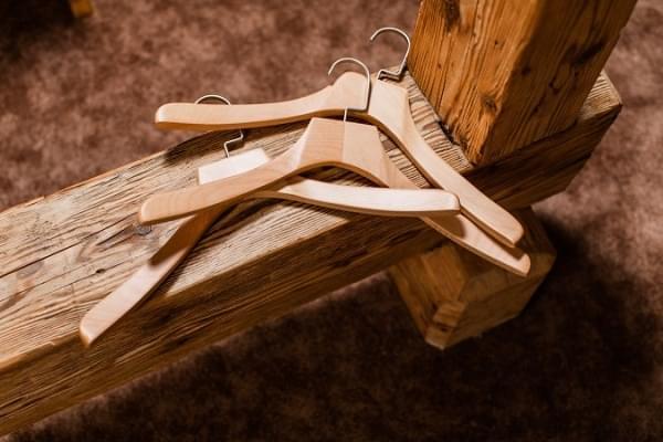 Kolekce šatních ramínek Mekko